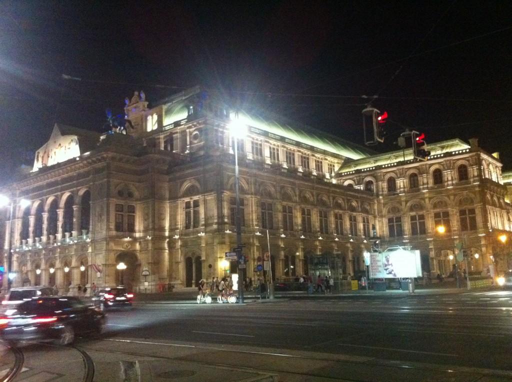 Wien Staatsoper(Opera Binası)