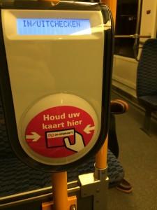 Tramvayda biletinizi okutacağınız cihaz