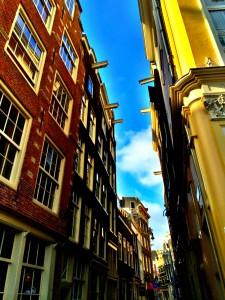 Tipik Amsterdam Evleri