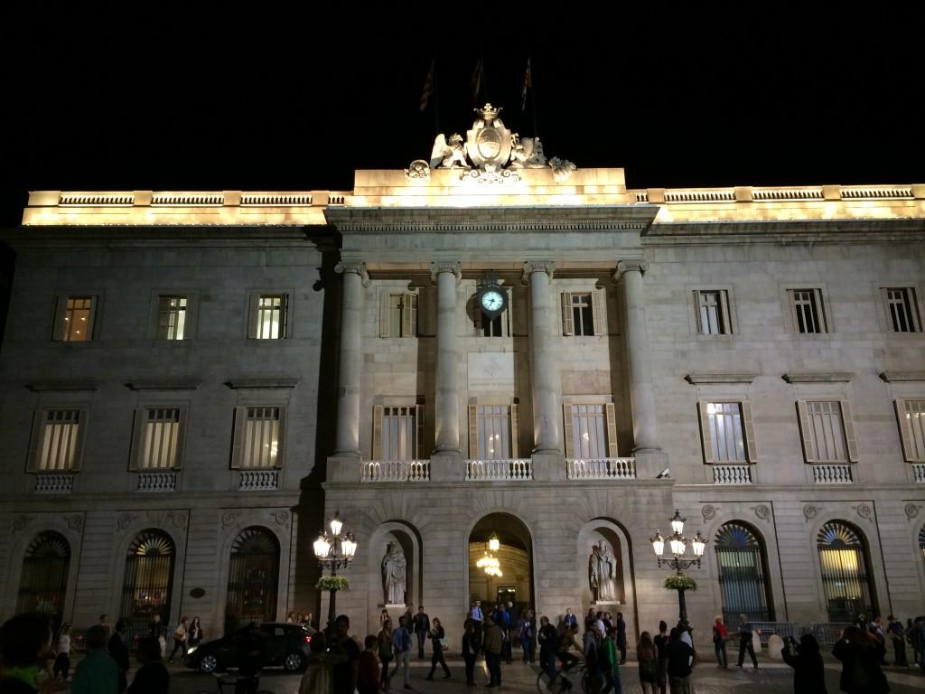 Ayuntamiento de Barcelona(Barselona Şehir Konseyi)