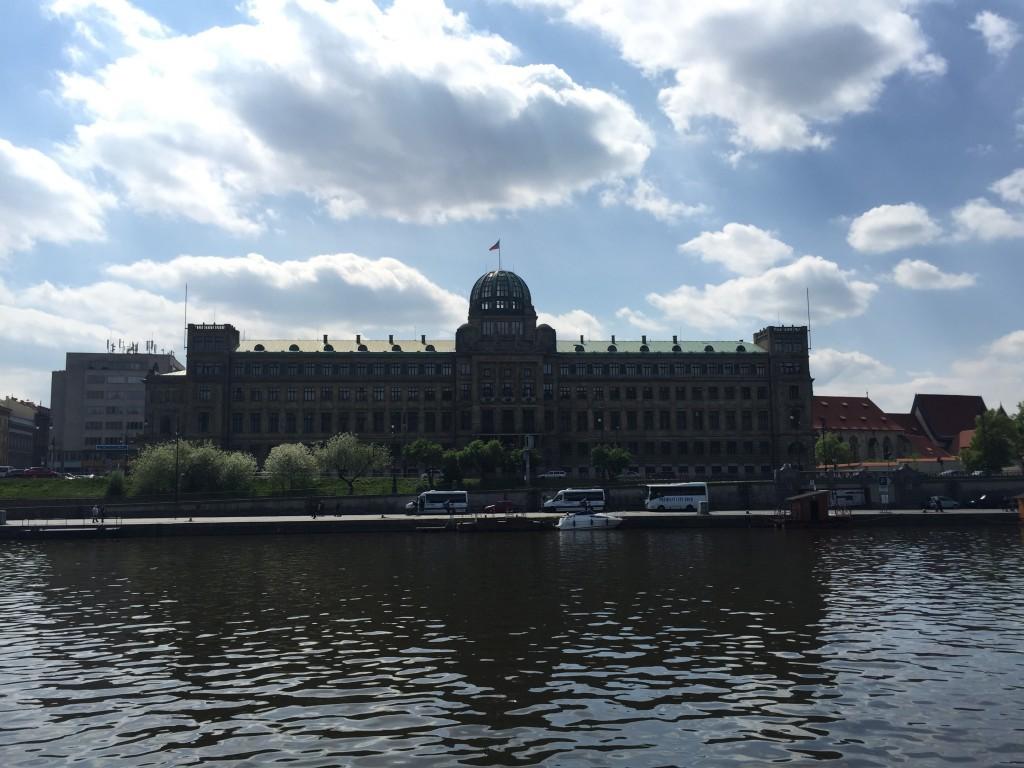 Endüstri ve Ticaret Bakanlığı Binası(Ministerstvo průmyslu a obchodu České republiky)