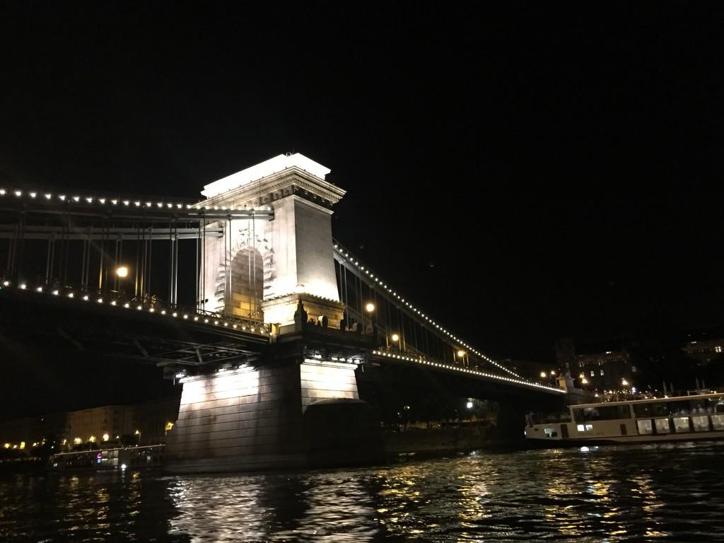 Zincir Köprüsü (Széchenyi lánchíd)