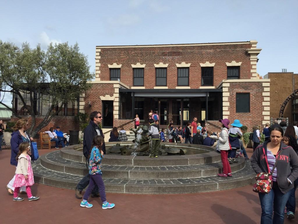 Ghirardelli Meydanı