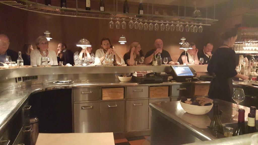 Barda Oturarak Yemek Yiyoruz