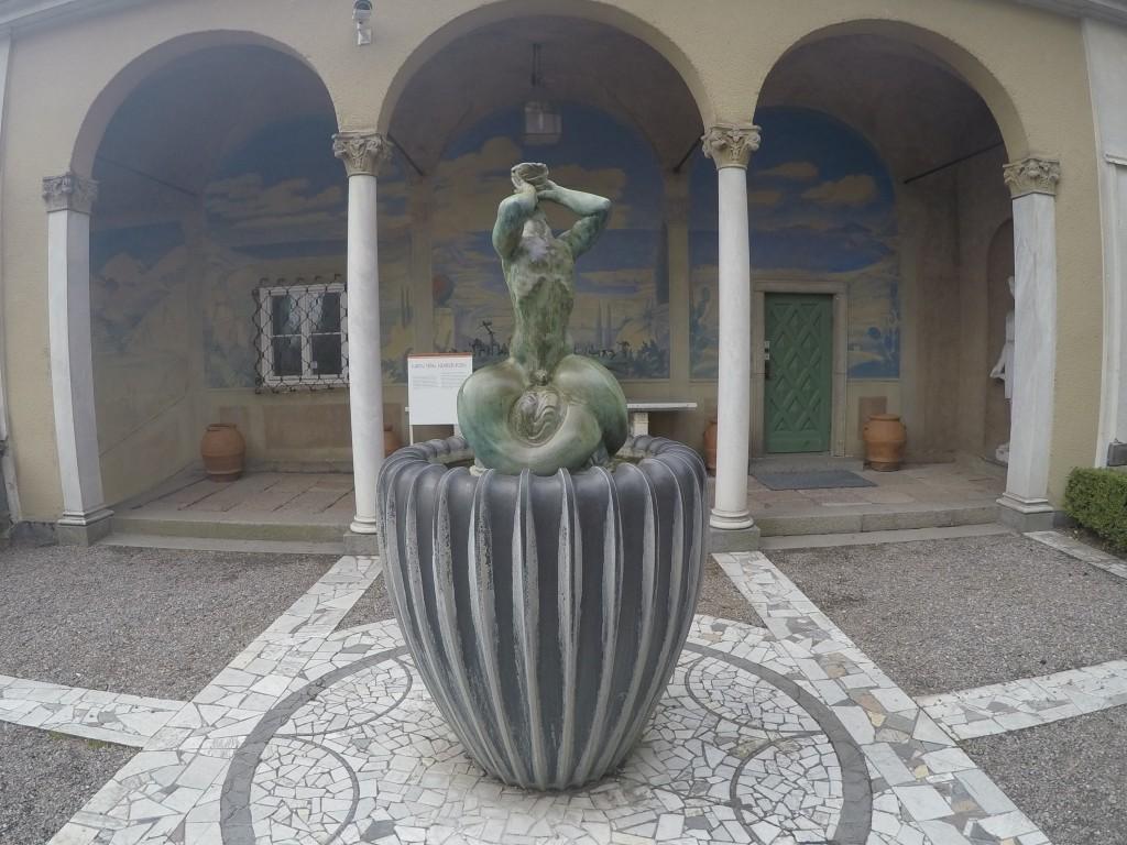 Triton heykeli