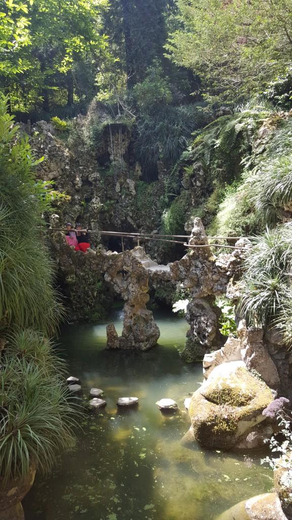 Regaleira Sarayının Bahçesi