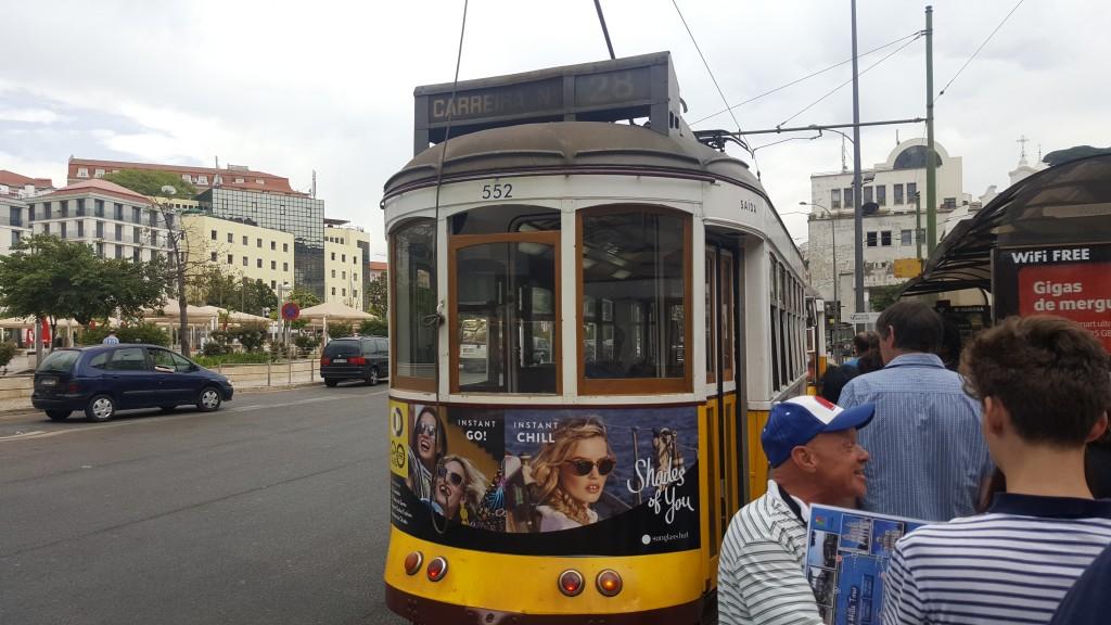 Martim Moniz'deki tramvay durağı