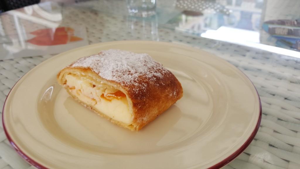 Peynirli Tatlı